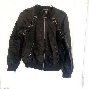 Very pretty windbreaker jacket